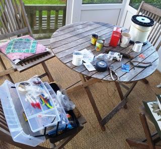 Making up fishing kit